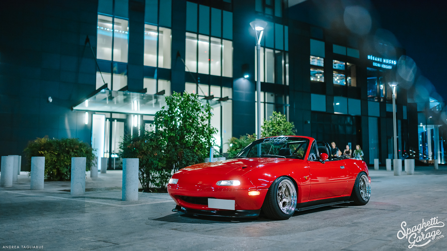 Our co-founder's driving statement: Clarence's MX5 NA in Milan